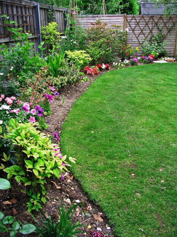 Lawn Edging | Garden Edging Ideas | DIYMorning.com