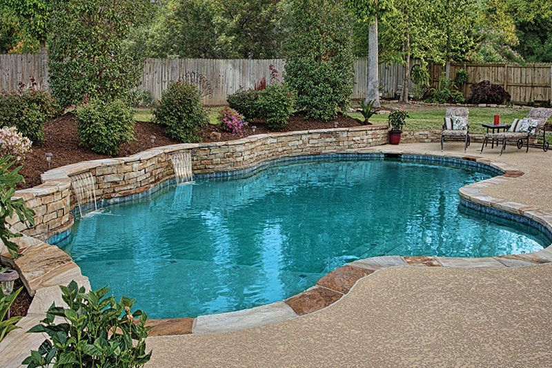 Pools with retaining wall