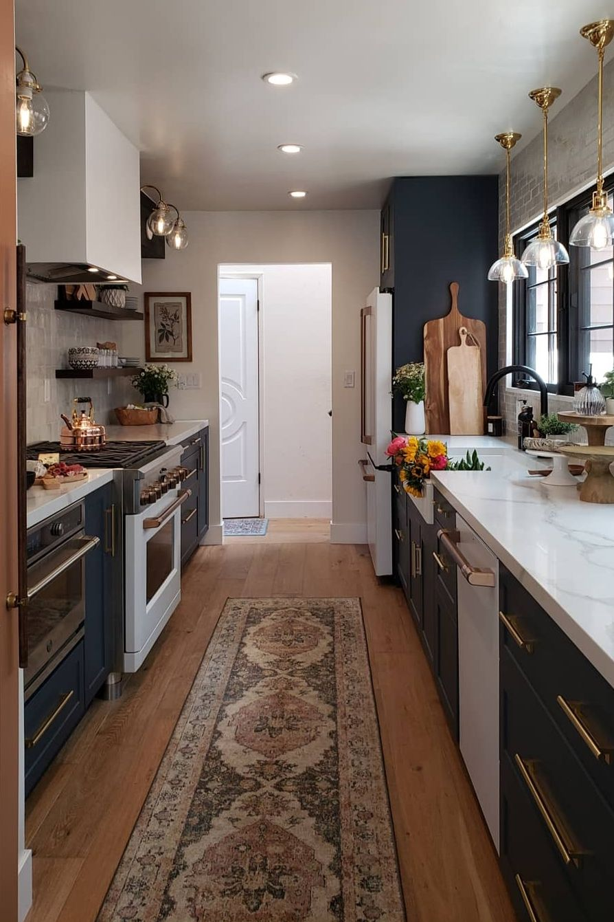 41+ Best Galley Kitchen Designs & Ideas For Rooms of All ...