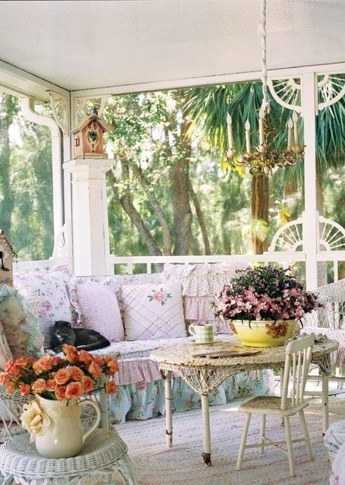 Best Vintage Porch Decor Ideas #1