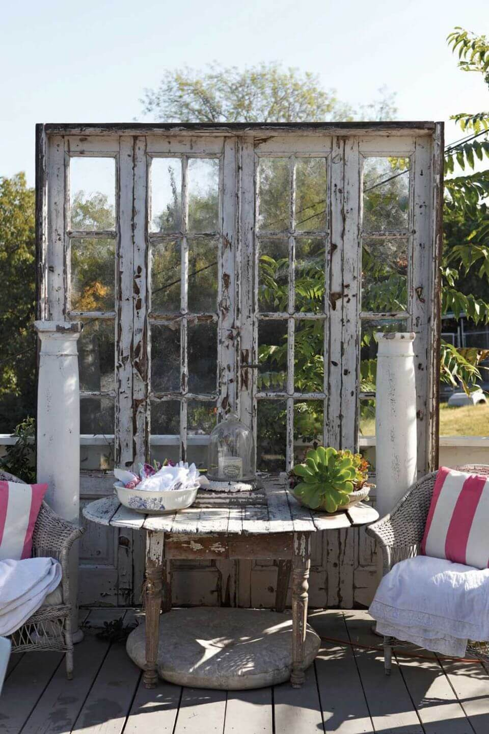 Best Vintage Porch Decor Ideas #11