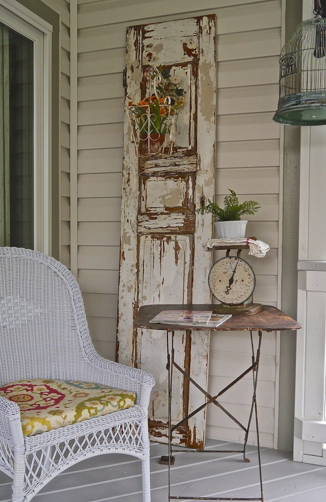 Best Vintage Porch Decor Ideas #13
