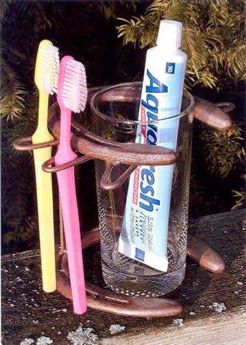 Horseshoe Toothpaste holder