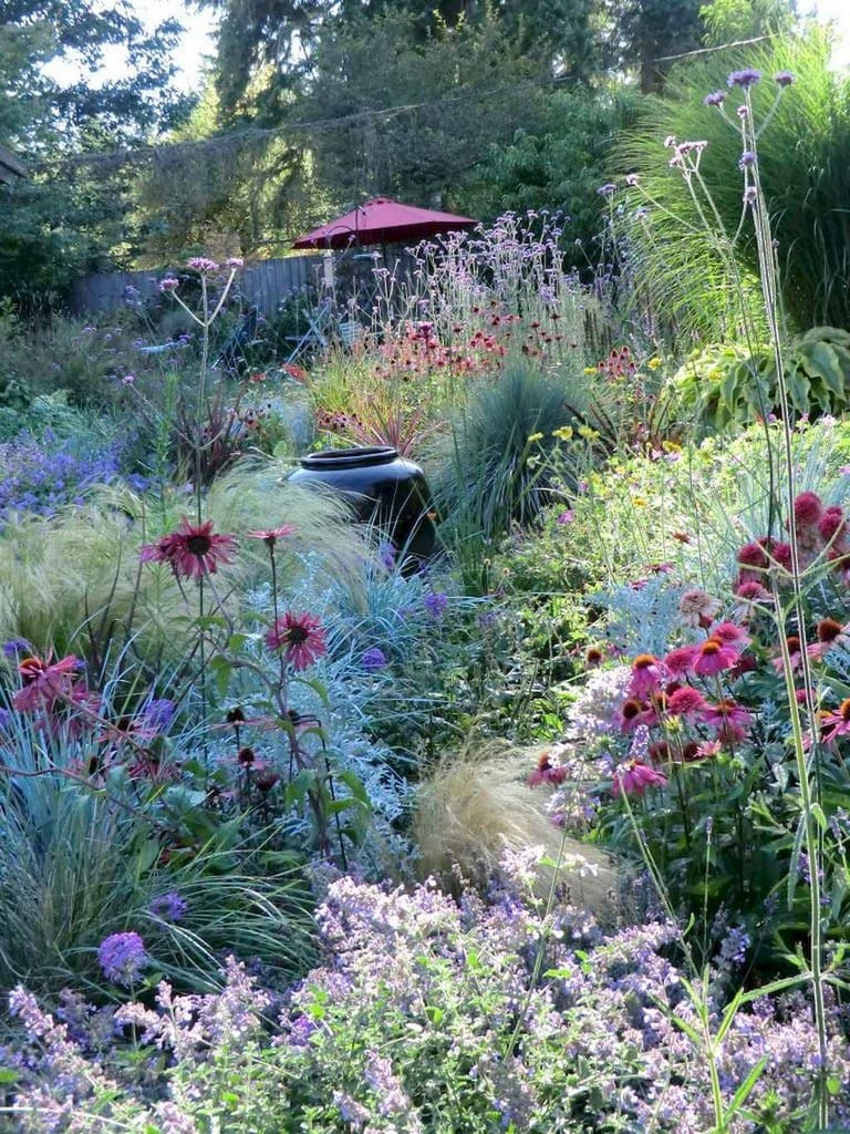 Best cottage style garden ideas for landscaping #34