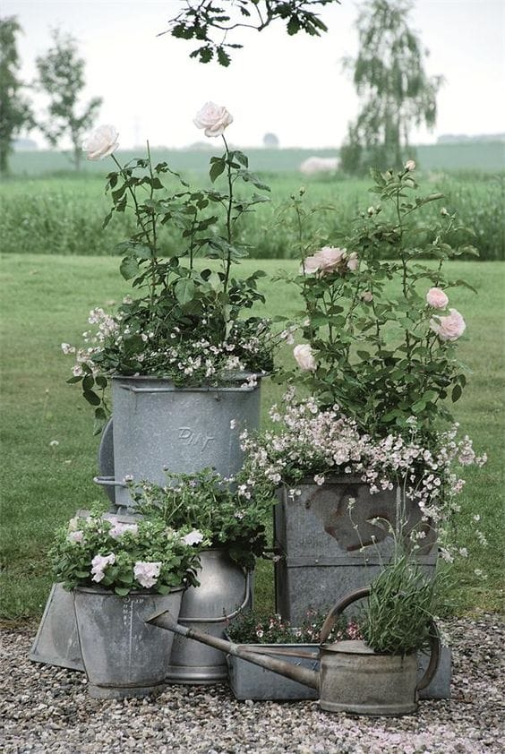 Best shabby chic vintage decor ideas #39