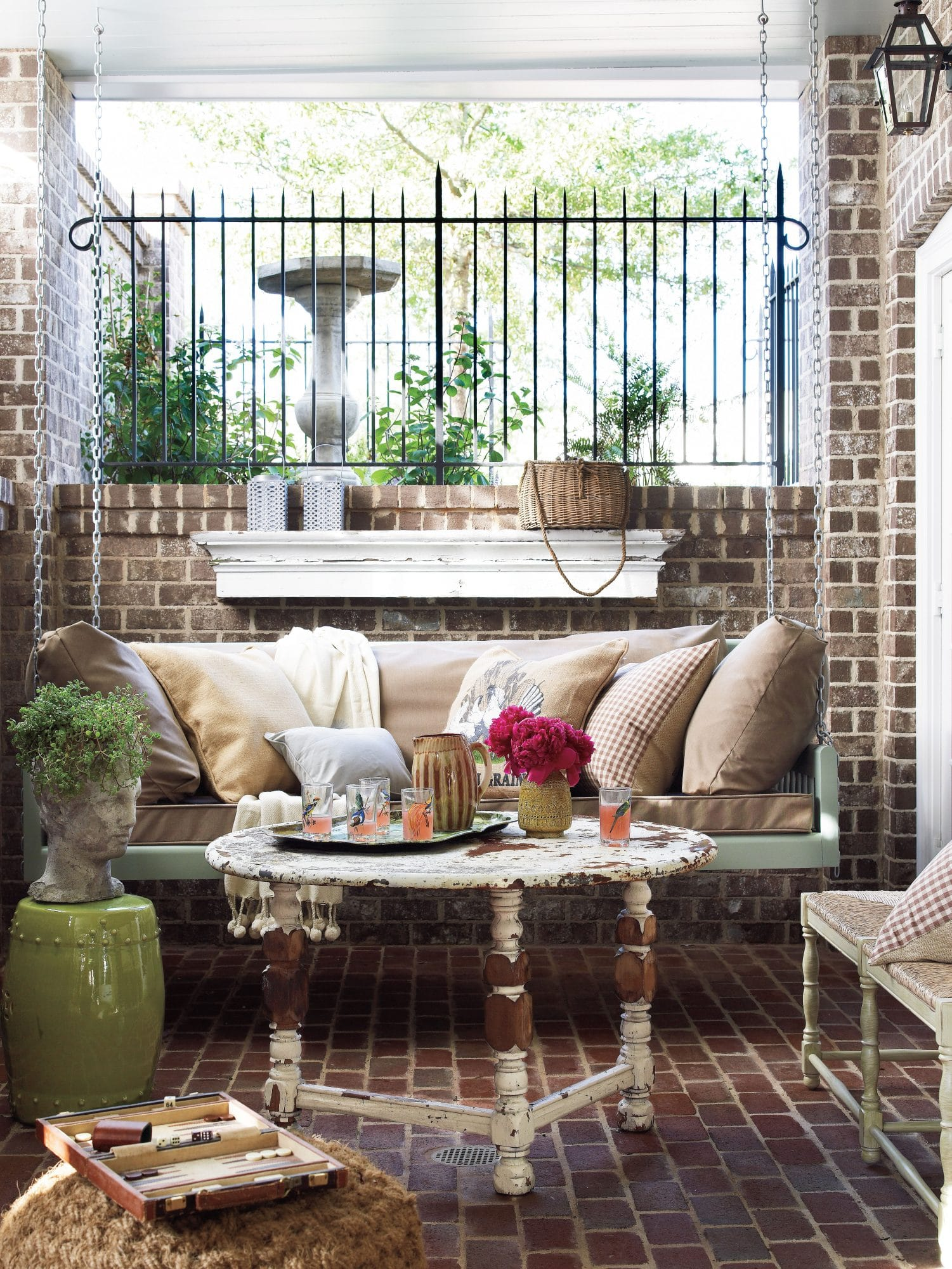Best Vintage Porch Decor Ideas #4