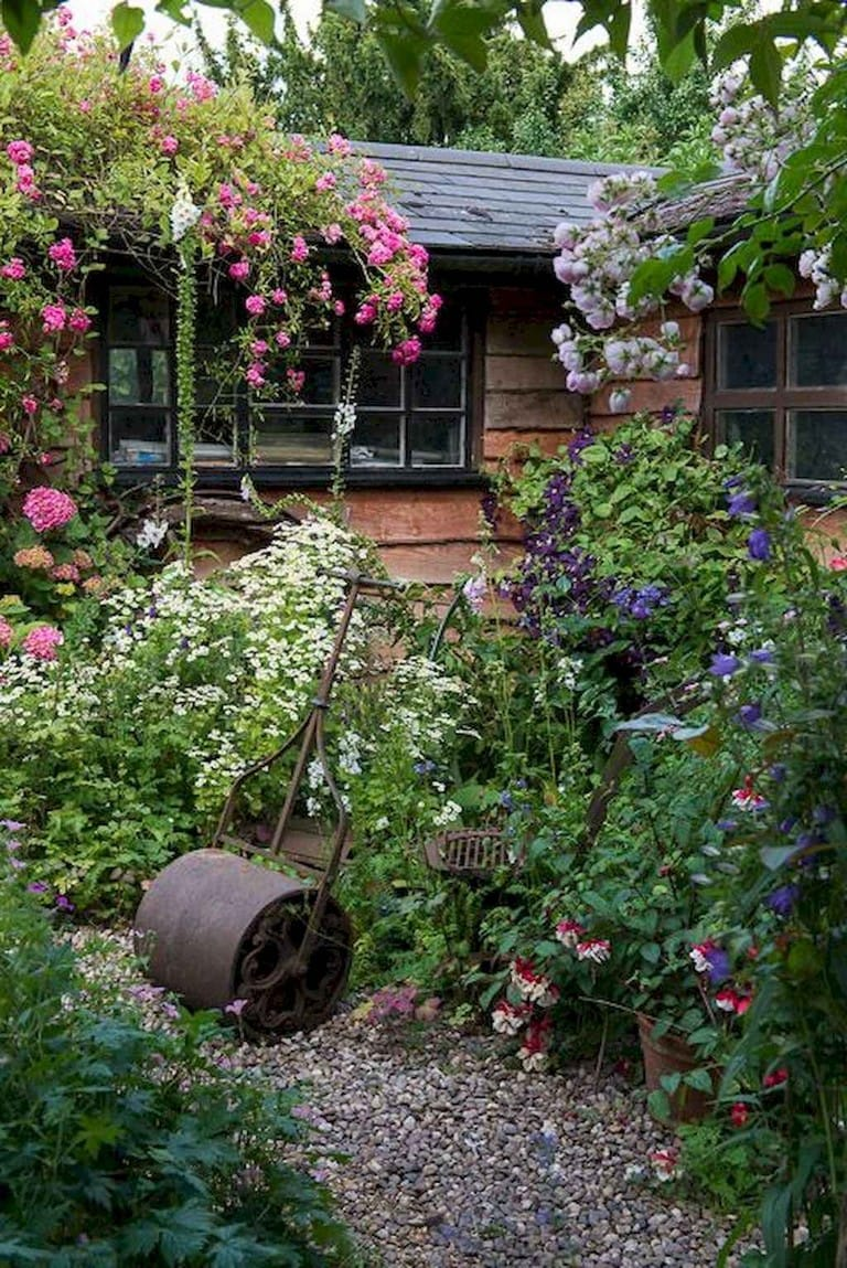 Best cottage style garden ideas for landscaping #38