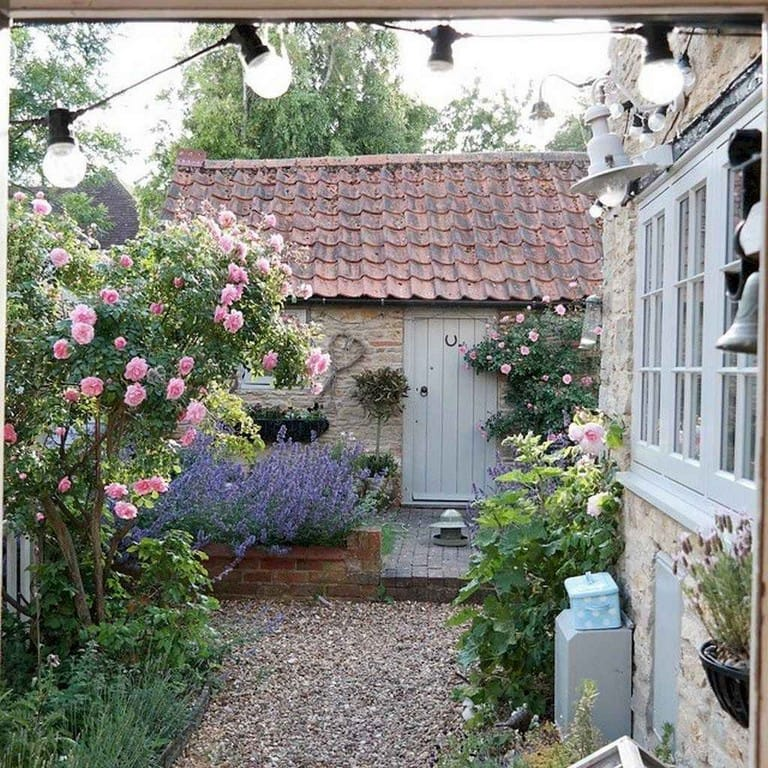 Best cottage style garden ideas for landscaping #40