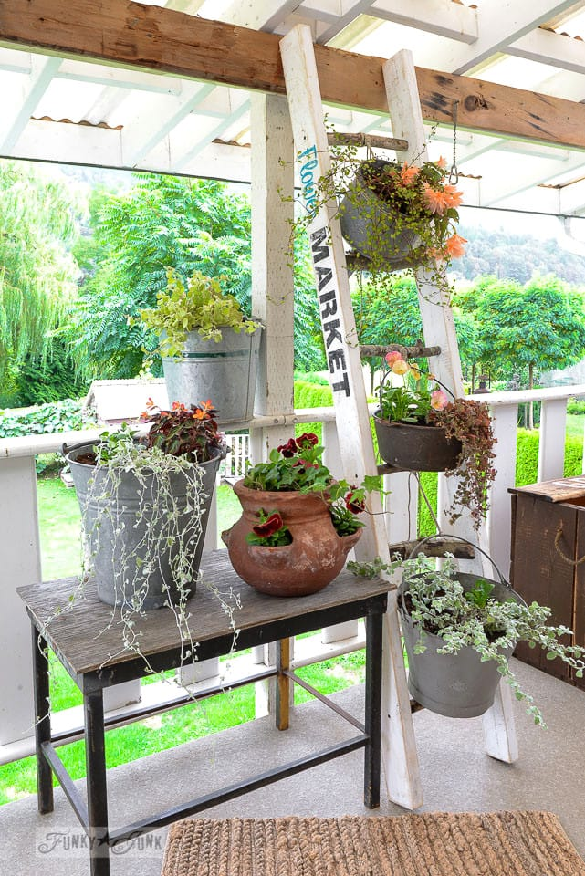 Best Vintage Porch Decor Ideas #6