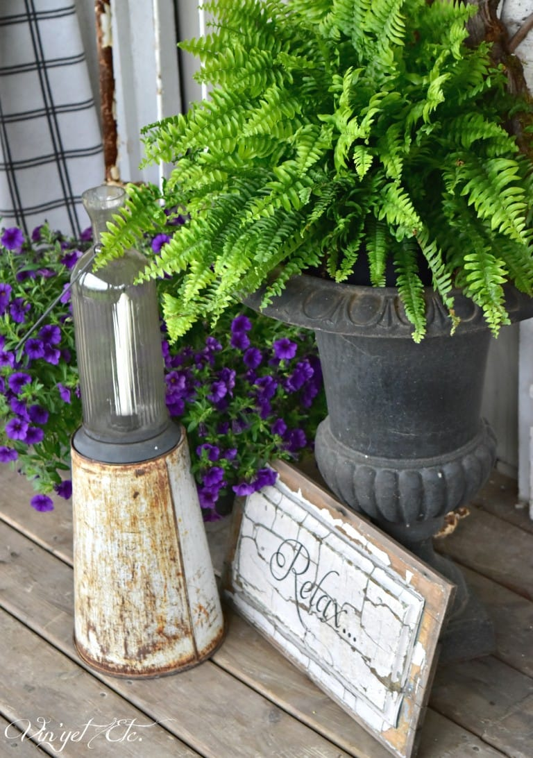 Best Vintage Porch Decor Ideas #7