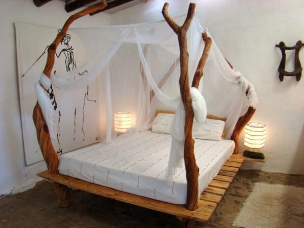 The Magical Wood Trunk Canopy Tree Bed