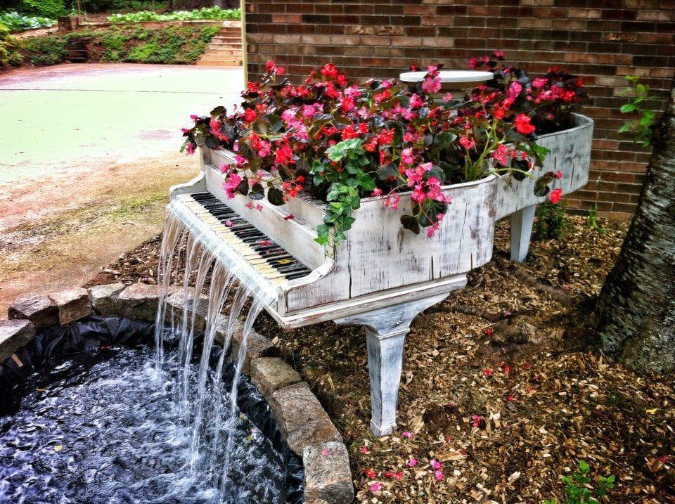 Repurposed Old Piano into a Fountain