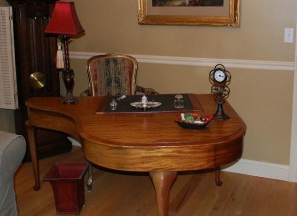 Repurposed Old Piano into a Dining Table