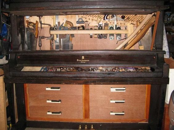 Repurposed Old Piano into a Huge Tool Box